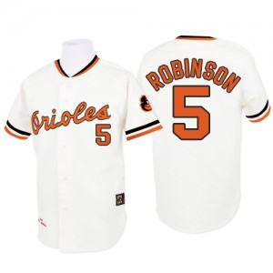 Men's Mitchell and Ness Baltimore Orioles Brooks Robinson Replica White 1970 Throwback Jersey